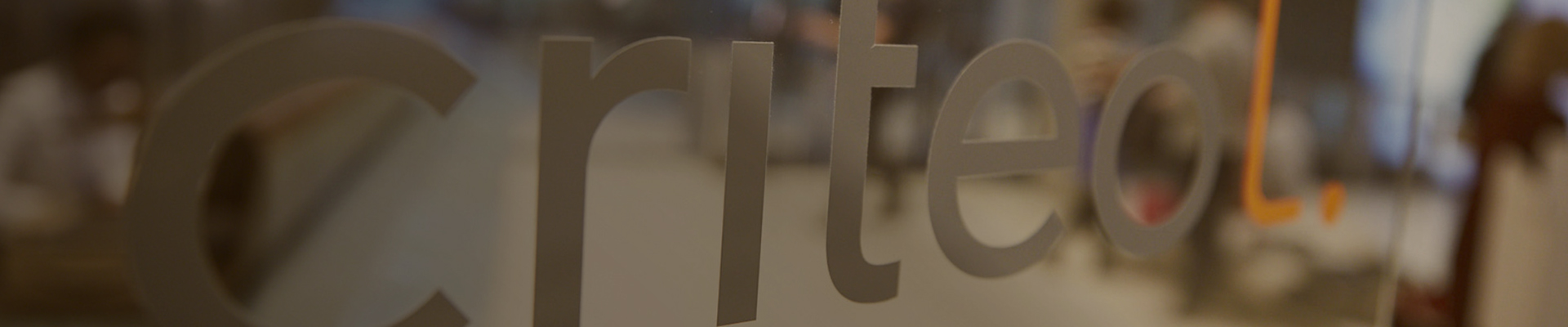 Criteo glass sign