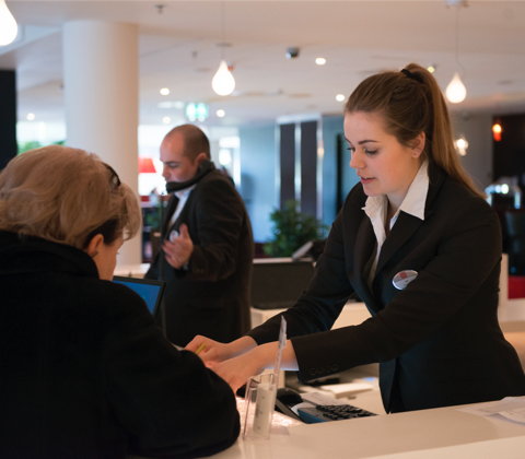 Guest Services, Operations e Front Office