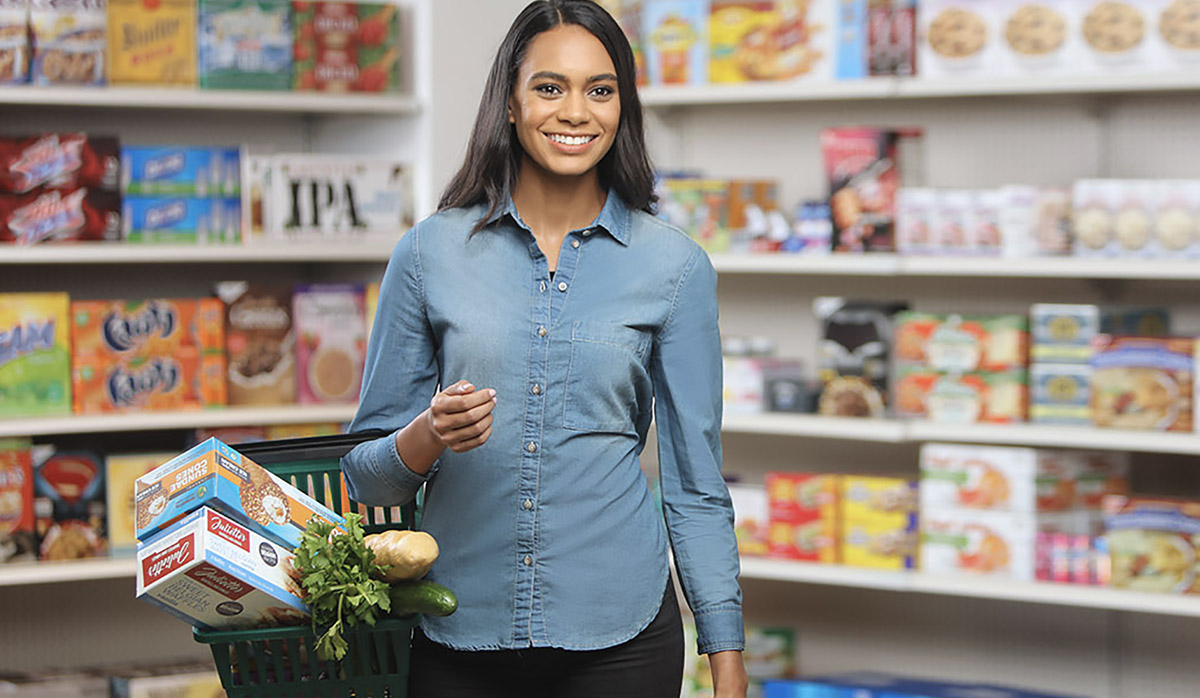 Picture of a woman shopping at the grocery store